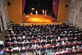 Peça teatral previne adolescentes contra contaminação por HIV